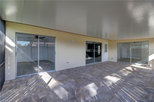 5620 Foxlake Dr, North Fort Myers, FL 33917