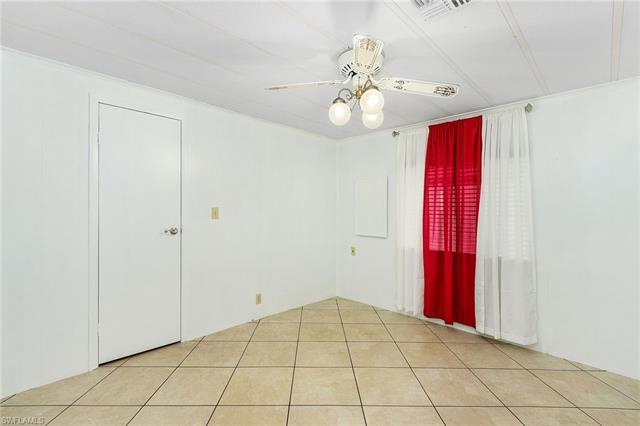 3019 Bowsprit Ln, St. James City, FL 33956