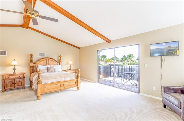 5219 Stratford Ct, Cape Coral, FL 33904