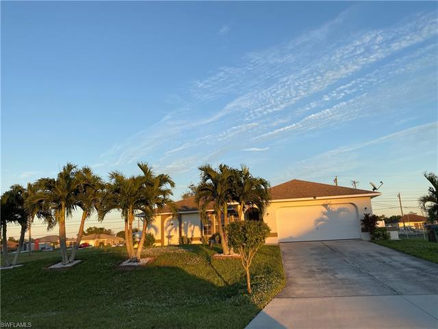 1023 Ne 7th Pl, Cape Coral, FL 33909