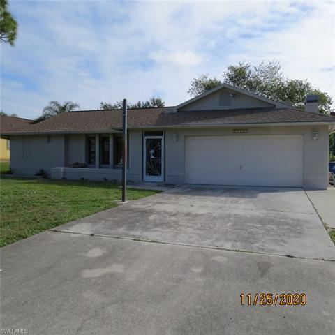 17417 Braddock Rd, Fort Myers, FL 33967