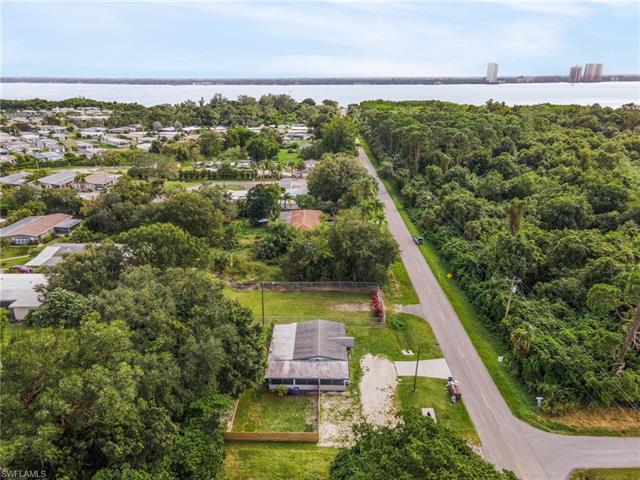 1160 Old Bridge Rd, North Fort Myers, FL 33917