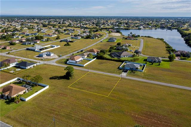 2502 Nw 7th Pl, Cape Coral, FL 33993
