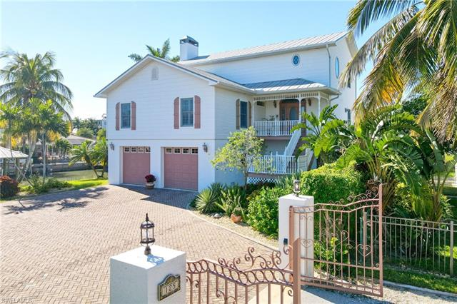 125 Sand Dollar Dr, Fort Myers Beach, FL 33931