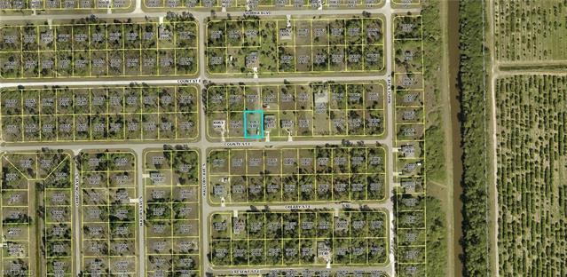 1239 Count St E, Lehigh Acres, FL 33974