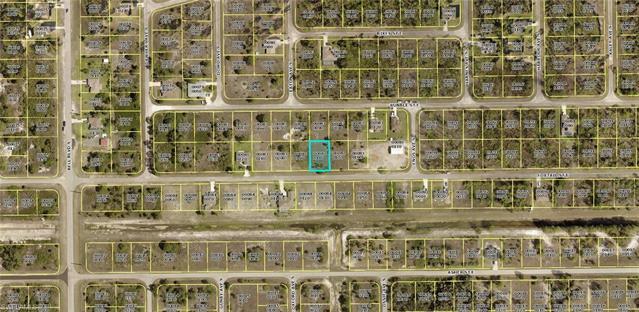 825 Foxtail St, Lehigh Acres, FL 33974