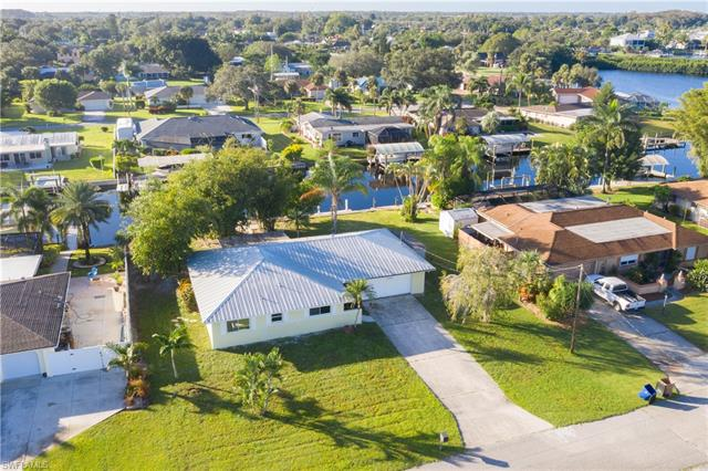 13849 Sleepy Hollow Ln, Fort Myers, FL 33905