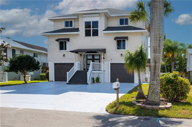 8014 Buccaneer Dr, Fort Myers Beach, FL 33931