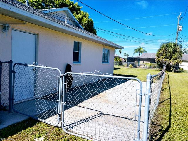 707 Sw 36th St, Cape Coral, FL 33914