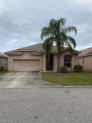 2160 Oxford Ridge Cir, Lehigh Acres, FL 33973
