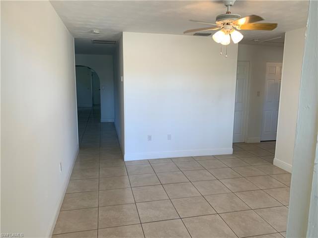 2966 Saint Charles St, Fort Myers, FL 33916