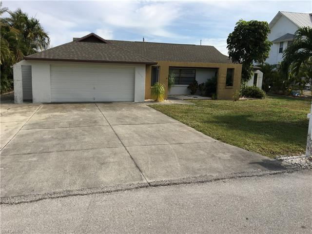3098 Bracci Dr, St. James City, FL 33956