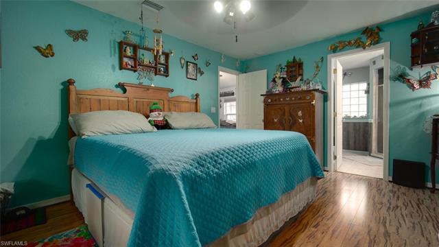 2917 48th St W, Lehigh Acres, FL 33971