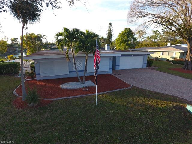 8801 Chatham St, Fort Myers, FL 33907
