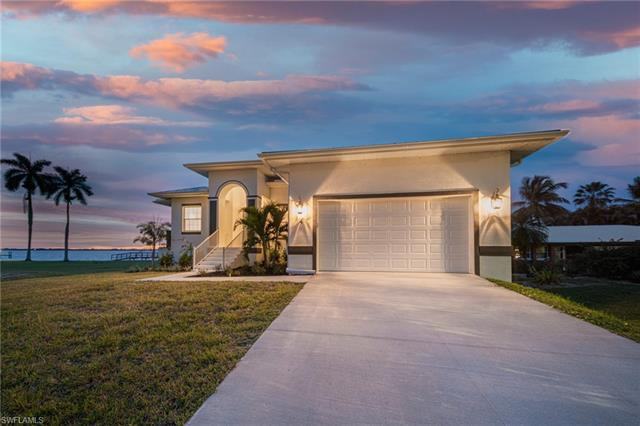 4 Live Oak Ln, Fort Myers, FL 33905