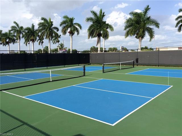 4631 S Landings Dr, Fort Myers, FL 33919