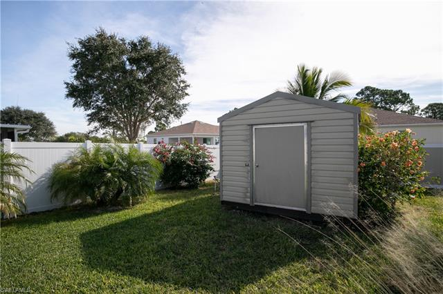 4137 Ne 9th Pl, Cape Coral, FL 33909