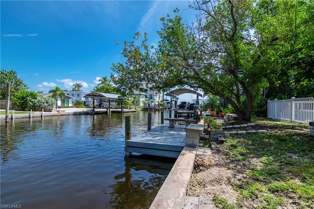 239 Curlew St, Fort Myers Beach, FL 33931