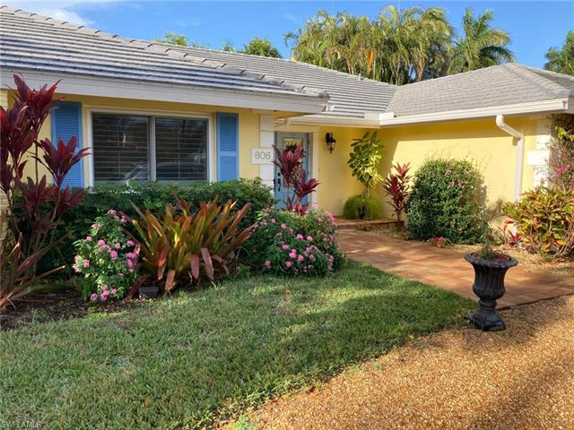 606 Park Shore Dr, Naples, FL 34103