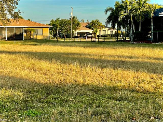 4823 Agualinda Blvd, Cape Coral, FL 33914