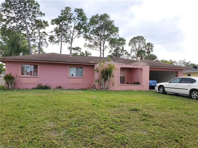 230 Willowwick Dr, Naples, FL 34110
