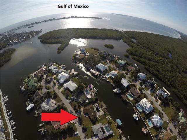 18516 Cutlass Dr, Fort Myers Beach, FL 33931