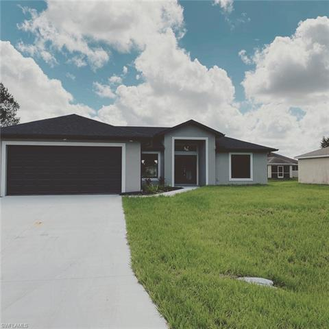 5552 Benton St, Lehigh Acres, FL 33971