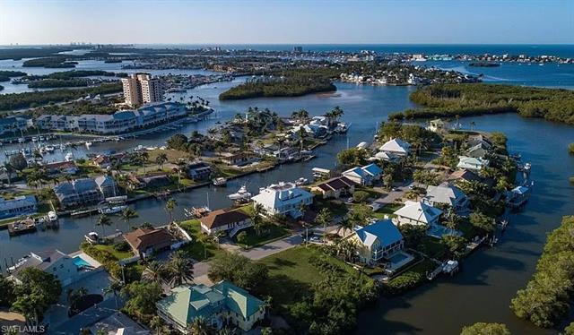 18436 Deep Passage Ln, Fort Myers Beach, FL 33931