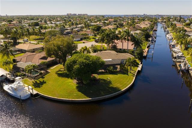 1069 Bal Isle Dr, Fort Myers, FL 33919