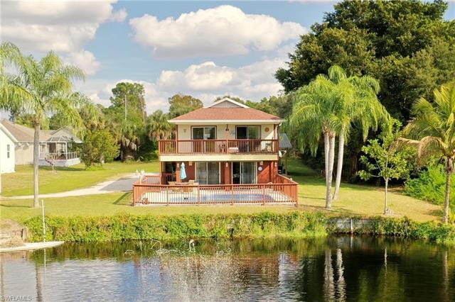 4675 Villa Capri Ln, Bonita Springs, FL 34134