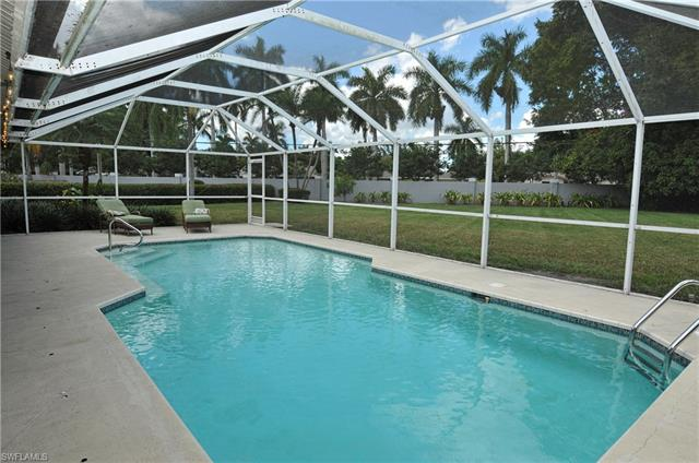 8891 Banyan Cove Cir, Fort Myers, FL 33919
