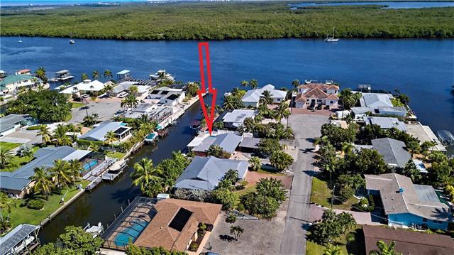 463 Washington Ct, Fort Myers Beach, FL 33931