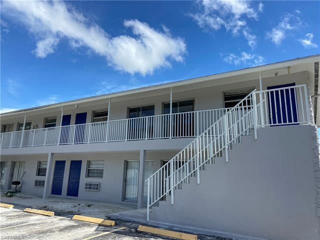 1947 Ricardo Ave 4, Fort Myers, FL 33901