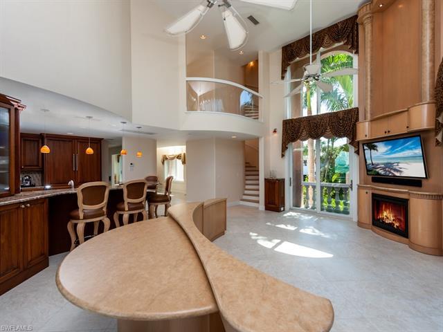 544 Lighthouse Way, Sanibel, FL 33957