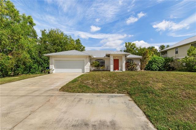 8670 Stringfellow Rd, St. James City, FL 33956