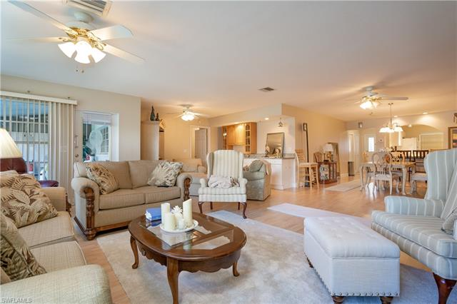 6983 Edgewater Cir 31, Fort Myers, FL 33919