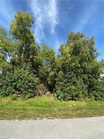 8421 Cardinal Rd, Fort Myers, FL 33967