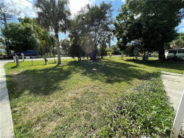 11350 Redbud Ln, Bonita Springs, FL 34135