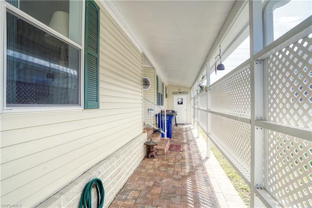 5411 Manatee Bay Ln, Fort Myers, FL 33905