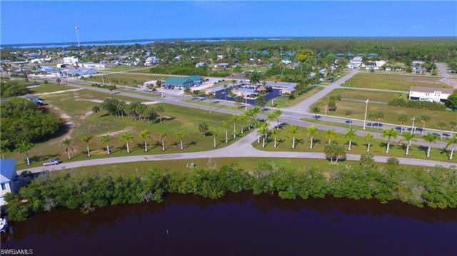 324 Freesia St, Everglades City, FL 34139
