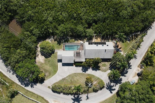 7671 Pineland Rd, Bokeelia, FL 33922