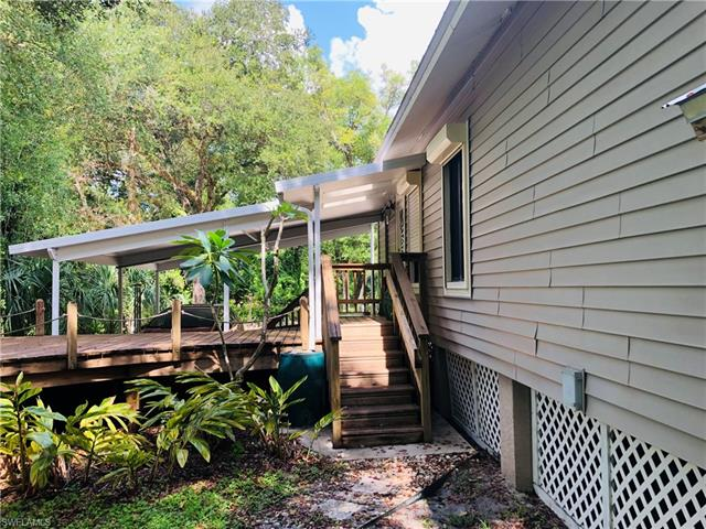 22141 Luckey Lee Ln, Alva, FL 33920