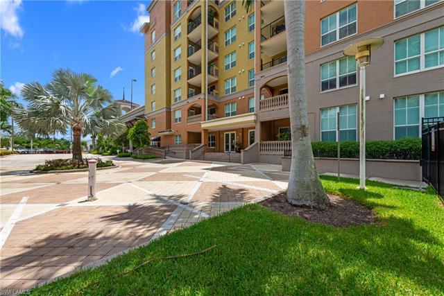 2825 Palm Beach Blvd 214, Fort Myers, FL 33916
