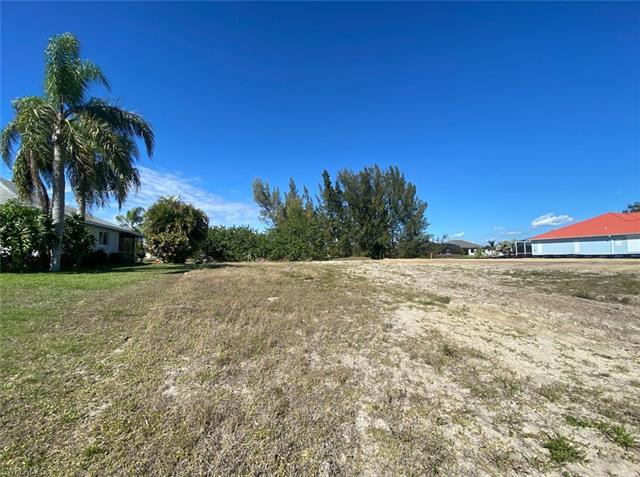1005 Sw 37th St, Cape Coral, FL 33914