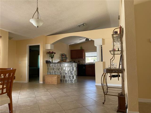 347 Ne 26th Ter, Cape Coral, FL 33909