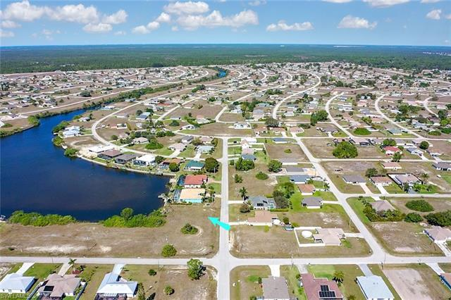 2418 Nw 3rd Pl, Cape Coral, FL 33993
