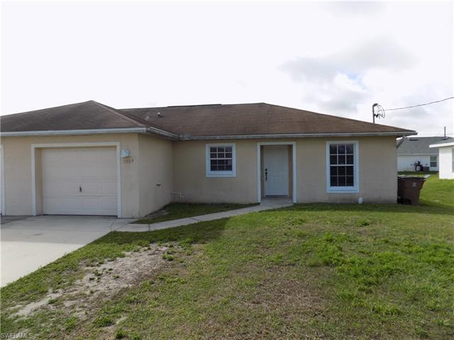 5007 Benton St, Lehigh Acres, FL 33971