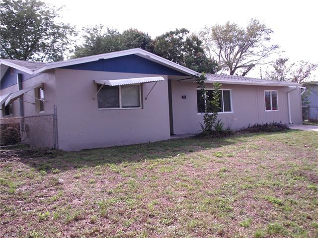 1525 Lindale Cir, Lehigh Acres, FL 33936