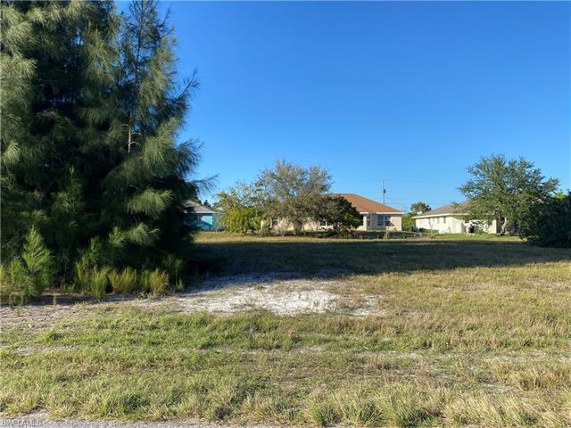 2241 Sw 1st St, Cape Coral, FL 33991