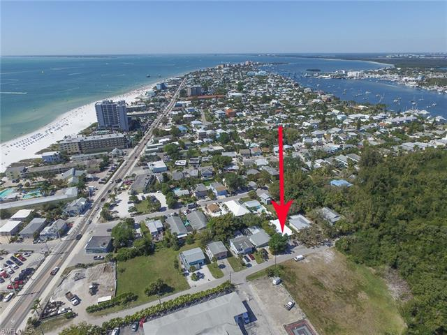 167 Chapel St, Fort Myers Beach, FL 33931